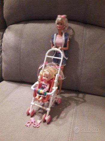 Barbie e Shelly strollin fun 1995