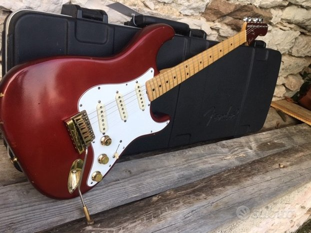 Fender stratocaster THE STRAT 1980 candy apple red