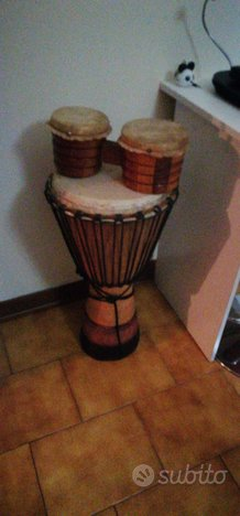 Strumento musicale (bongo)