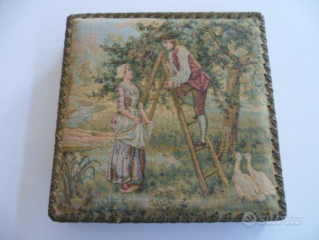 Scatola stoffa con arazzo sul coperchio vintage