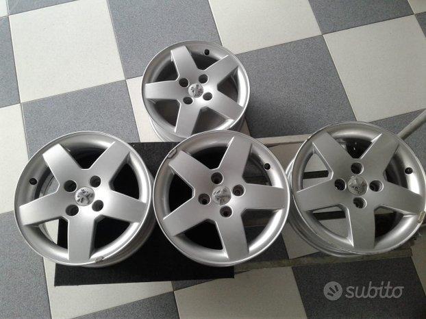 4 Cerchi Peugeot 15 e da 16