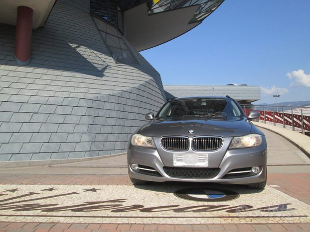 BMW 320 d cat xDrive Touring Manuale