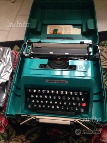 Macchina da scrivere vintage Olivetti studio 45