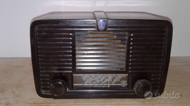 Radio antica a valvole anni '50 collezionismo