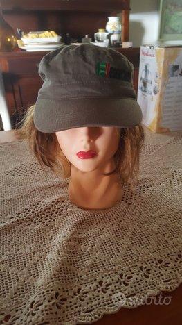 Cappellino verde con logo esercito italiano