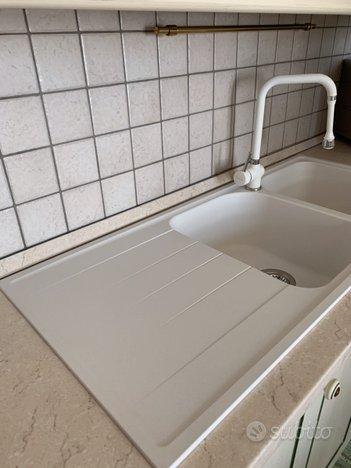 Lavello cucina 2 vasche e miscelatore