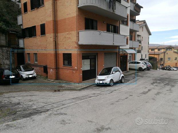 Locale commerciale 250mq e deposito 110 mq