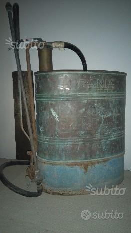 , pompa lavaggi antica ,in rame