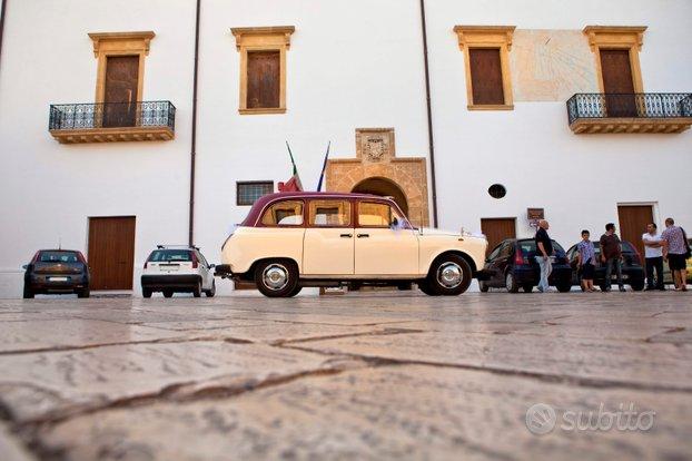 Splendido Taxi inglese restaurato