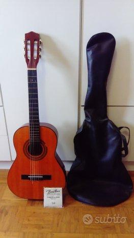 Chitarra classica custodia corde di ricambio