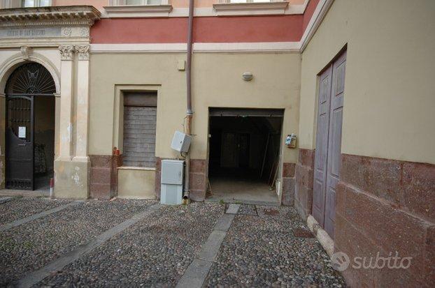 Locale commerciale Piazza Duomo