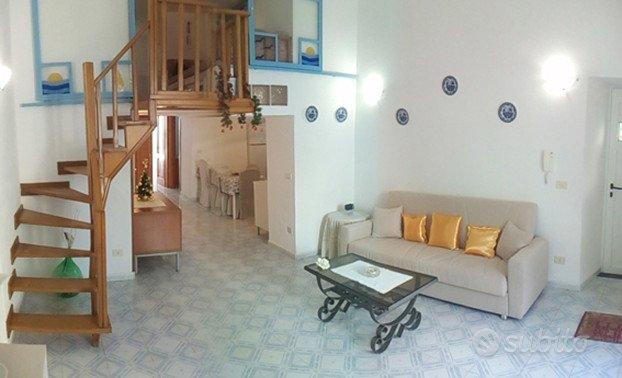 946e53941457 Ischia Ponte appartamento sul mare 8 posti - Case vacanza In affitto ...