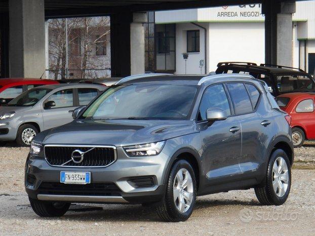 Volvo XC40 2.0 T5 247CV Momentum AWD Geartr. (933)