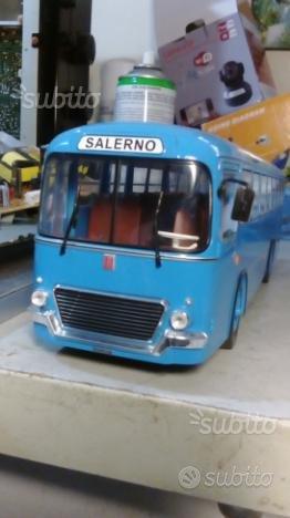 Modellino bus in scala 1/43