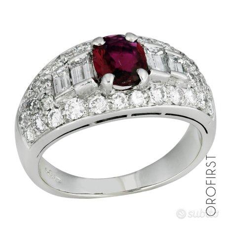 Anello con diamanti 0,84ct e rubino 0,60