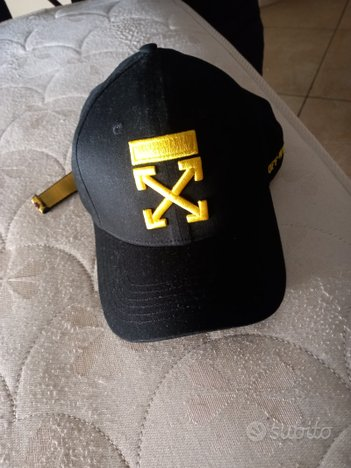 Cappello off white nero e giallo