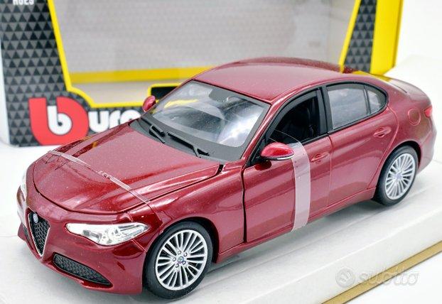 Modellino auto alfa romeo giulia burago scala 1:24