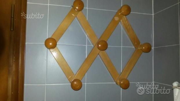 Attaccapanni in legno vari usi