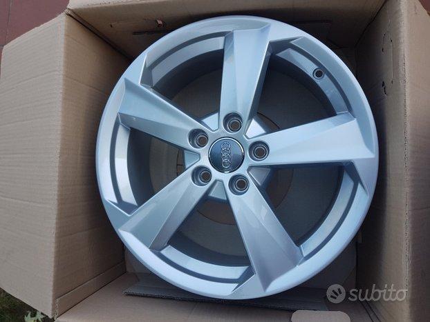 4 cerchi Nuovi 17 Originali Audi A3 A4 A6 Q2 Q3 TT