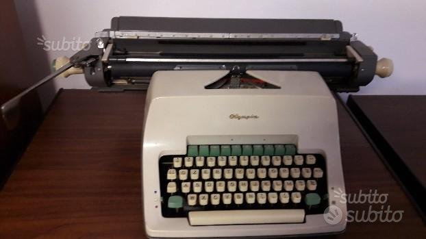 Macchina da scrivere olympia 1960