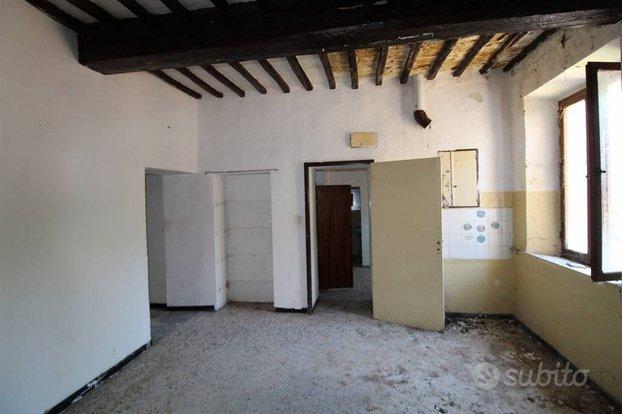 Rif.V061  appartamento trilocale