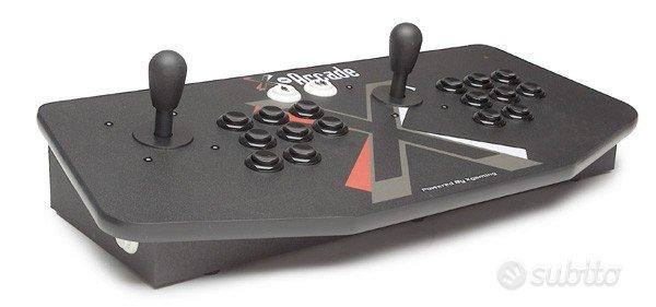 Postazione video games arcade e console completa