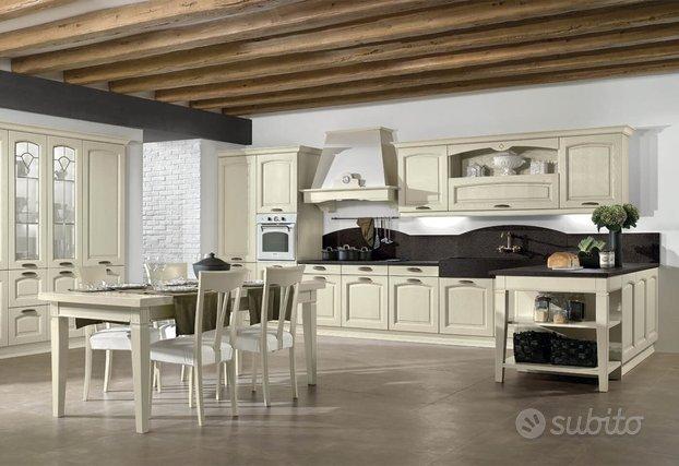 Cucine Classiche Su Misura Arredamento E Casalinghi In Vendita A Padova