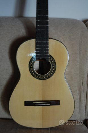 Chitarra classica di liuteria.Acero/abete Fiemme