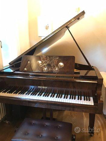 Pianoforte Petrof Model IV