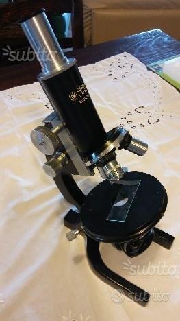 Microscopio professionale anni 60