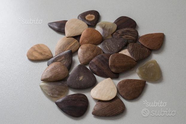 Plettri fatti a mano in legno, cocco, corno