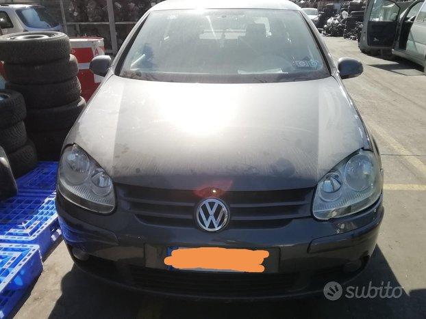 Volkswagen Golf V50 1.6 Benzina FSI Anno 2004 Pe