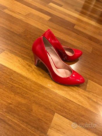 Scarpe in vernice rossa n. 39