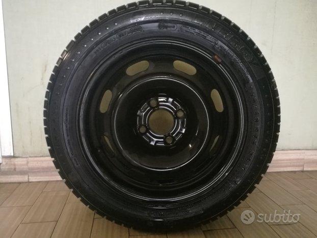 Pneumatico Michelin 185/60/15 con cerchio in ferro