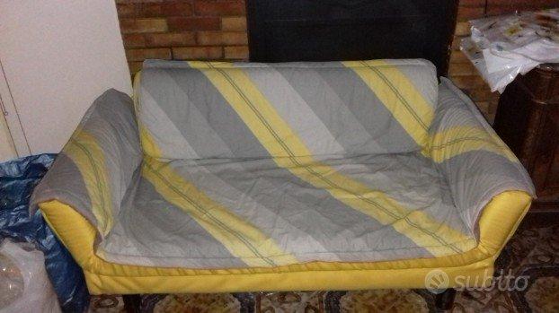 Piccolo divano letto arredamento e casalinghi in vendita a napoli