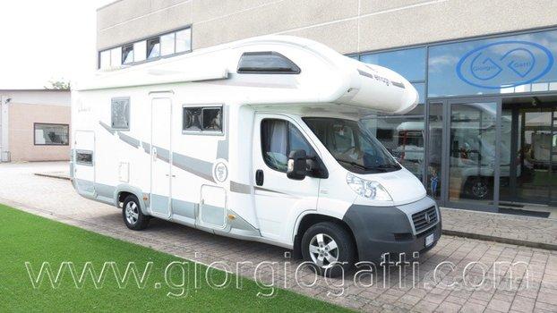 Camper Elnagh Duke 45 mansardato con garage