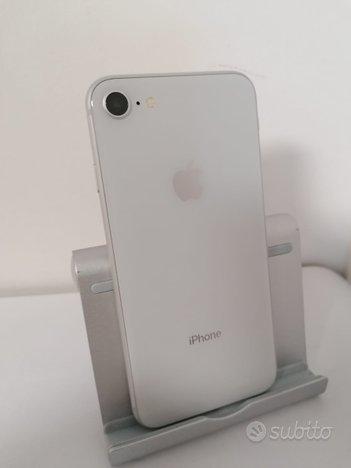 IPhone 8 64GB Silver, grado A +