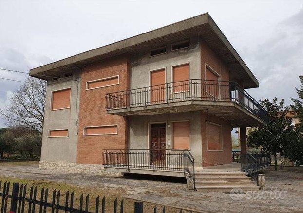 Casa indipendente a Todi, Pian di San Martino