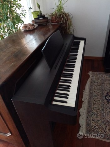 Pianoforte digitale Roland HP 136