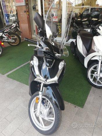 Honda SH 125 Abs nuovo 2021 Permute