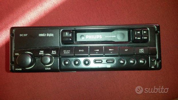 Autoradio con audiocassette