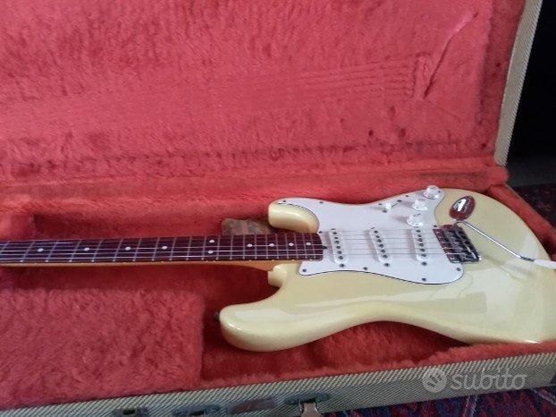 Fender stratocaster reissue 62 anni 80