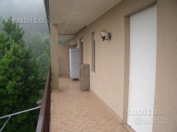 Appartamento casa vacanze a Tavarone (Liguria)