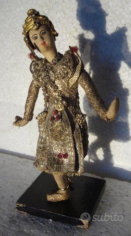 Statua asiatica in pannolenci panno /195