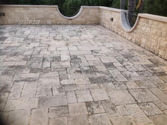 Pavimento di pietra lavorata mano misure miste
