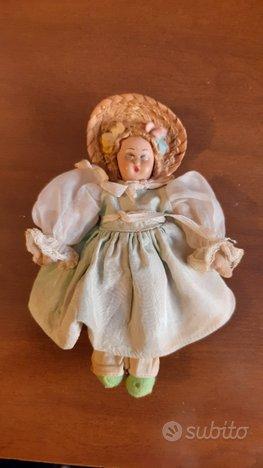 Antica bambola primi del 1900