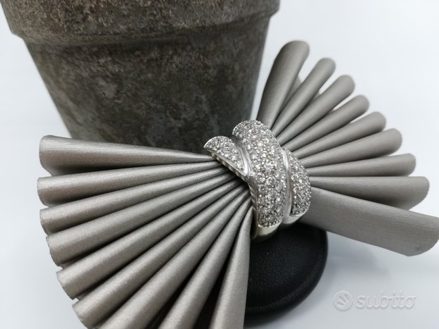 Anello Fascia intrecciata in Oro e Diamanti 1,40ct
