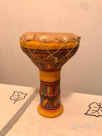 Bongo africano in ceramica dipinto a mano