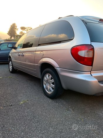 Chrysler Grand Voyager 2.8 crd automatica