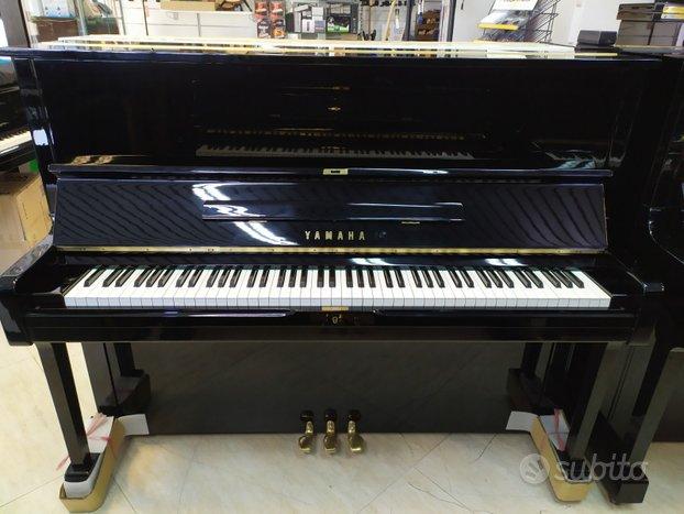 Pianoforte YAMAHA U1
